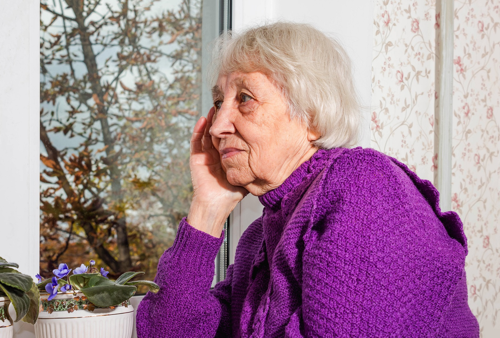 Why It Can Be Dangerous for Seniors to Live Alone